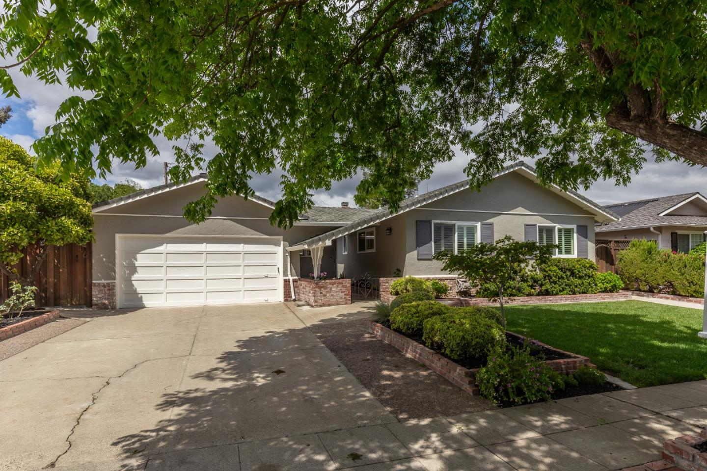 Detail Gallery Image 1 of 1 For 5171 Rafton Dr, San Jose,  CA 95124 - 4 Beds | 2 Baths