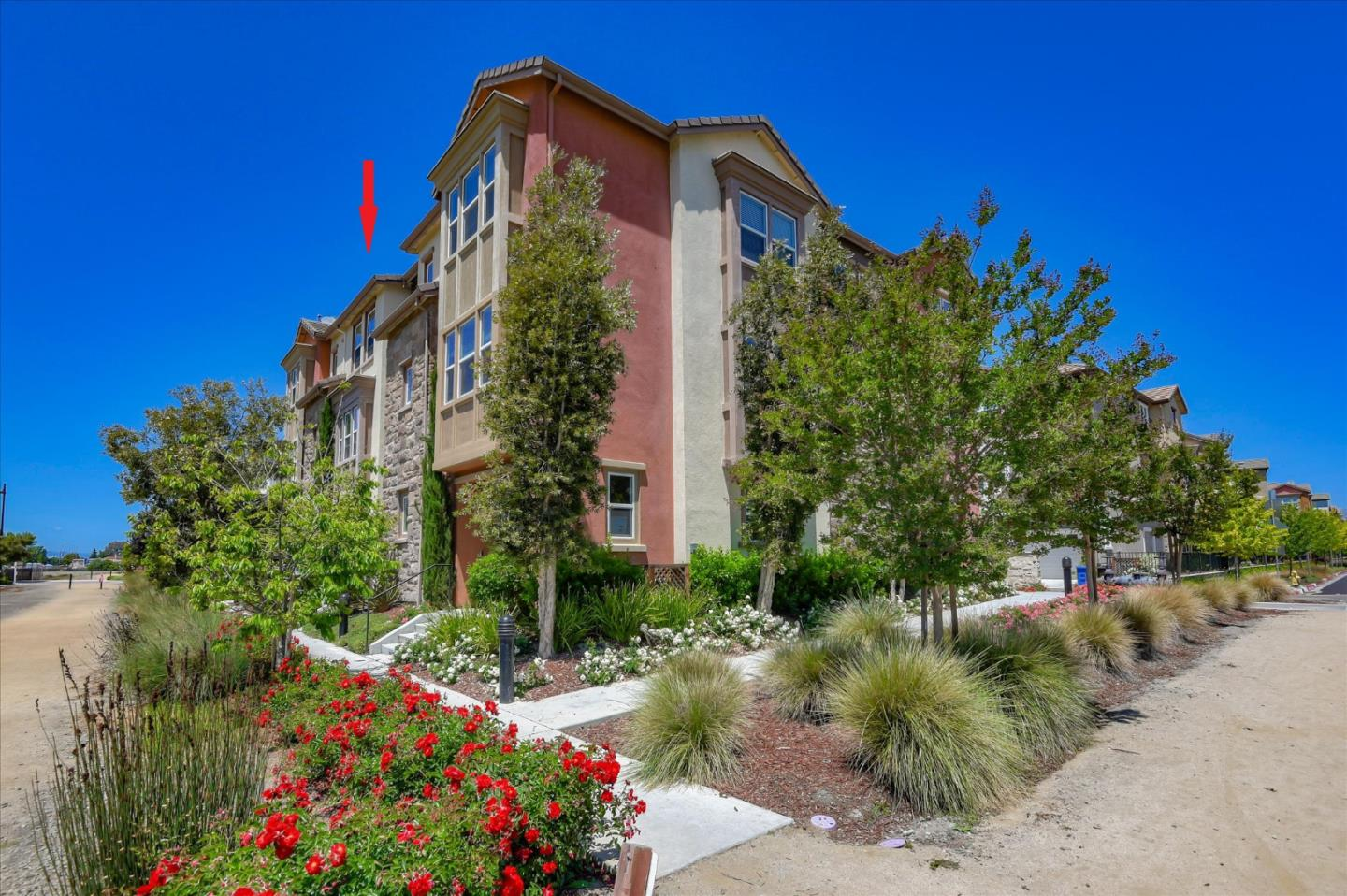 Detail Gallery Image 1 of 1 For 1590 Bond St, Milpitas, CA 95035 - 4 Beds | 3/1 Baths