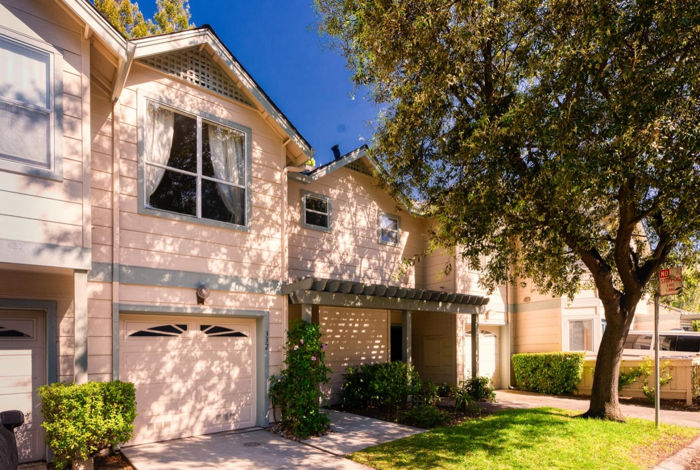 Detail Gallery Image 1 of 1 For 332 Deerwood Ct #1104, Mountain View, CA 94040 - 2 Beds | 2/1 Baths