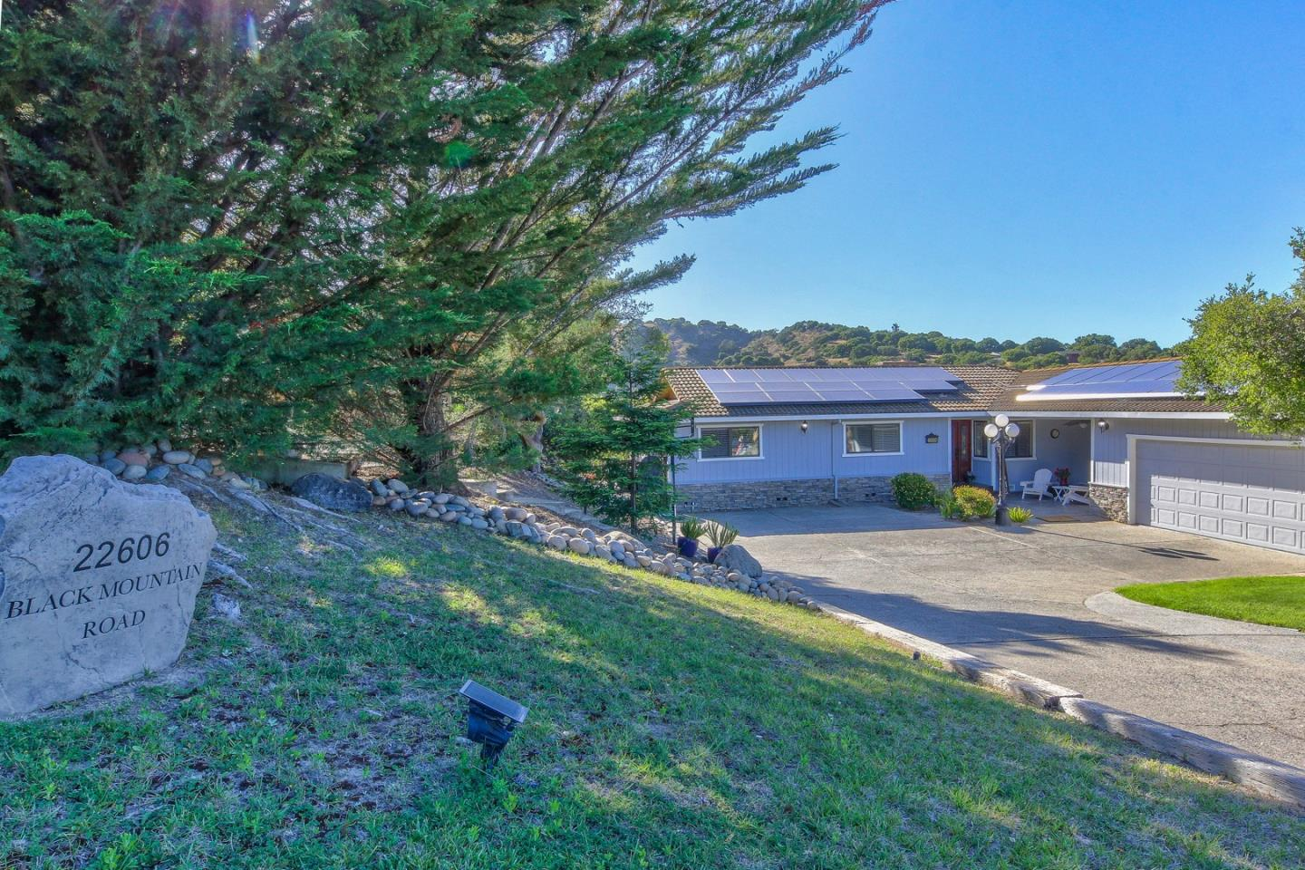 Detail Gallery Image 1 of 1 For 22606 Black Mountain Rd, Salinas,  CA 93908 - 3 Beds   2/2 Baths