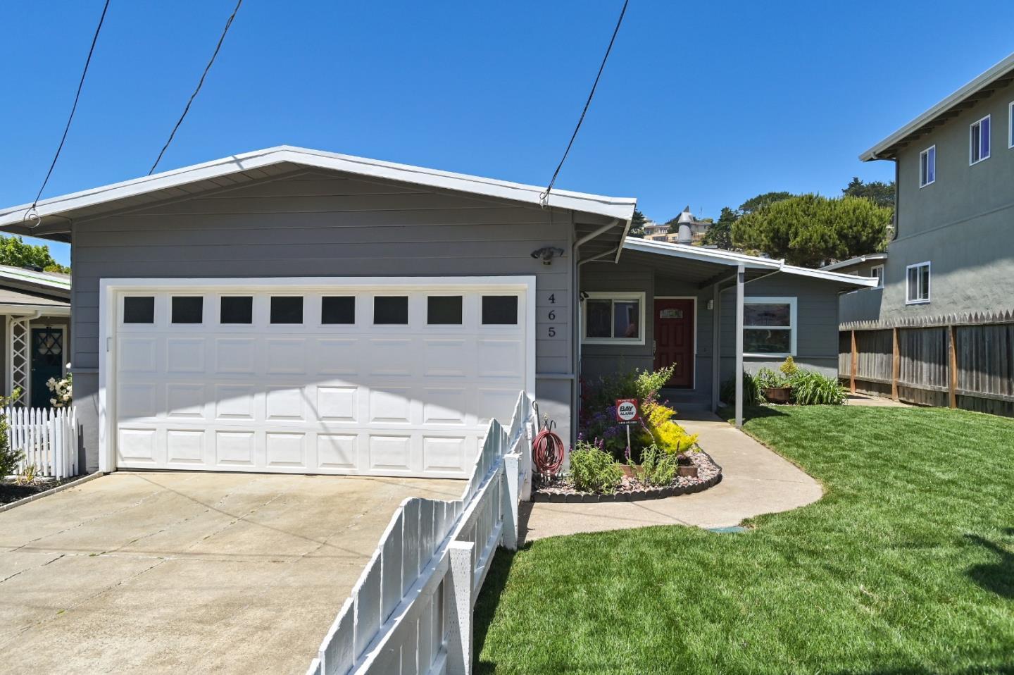 Detail Gallery Image 1 of 1 For 465 Brighton Rd, Pacifica, CA 94044 - 3 Beds | 2 Baths