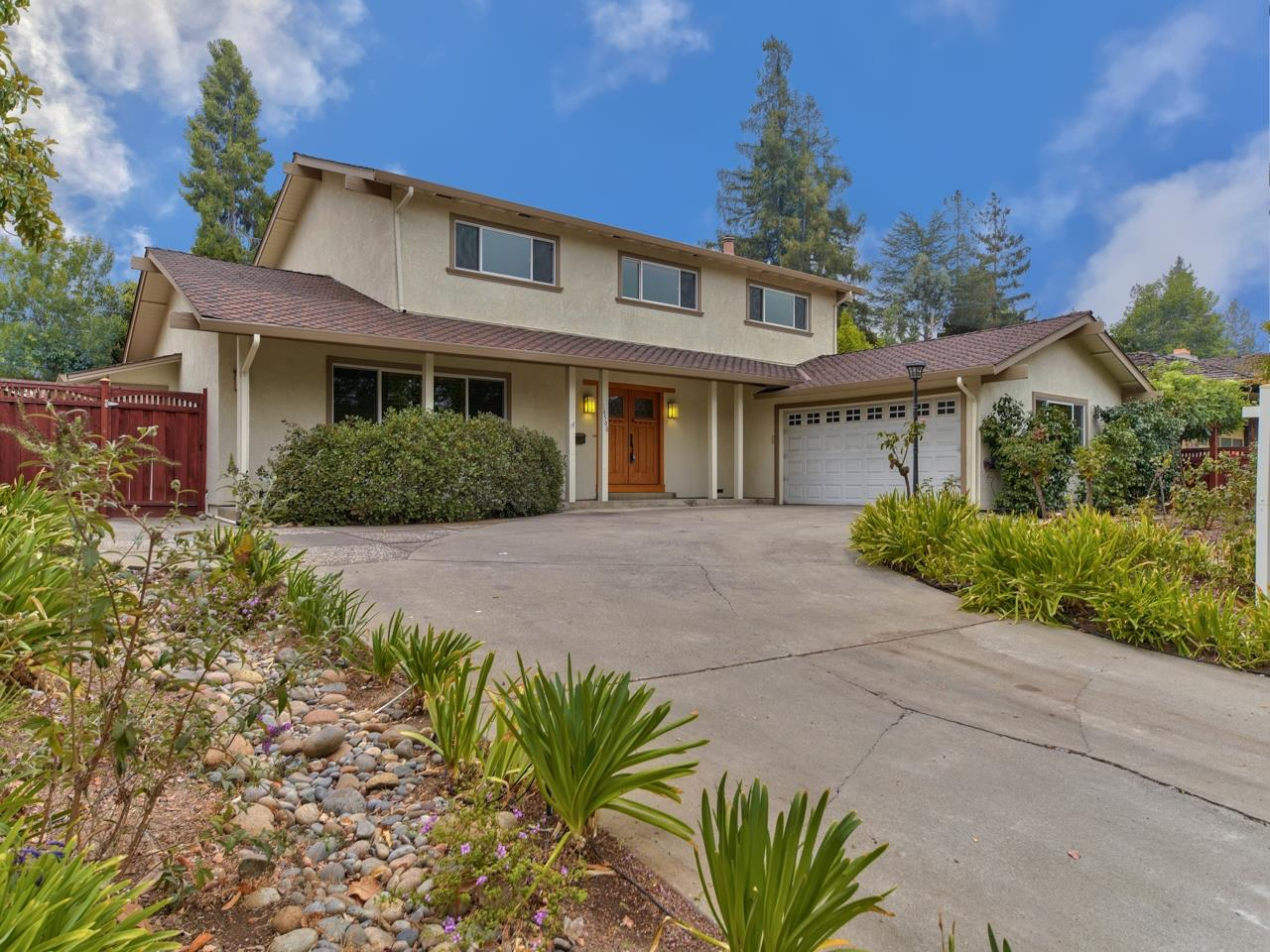 Detail Gallery Image 1 of 1 For 14500 Blossom Hill Rd, Los Gatos,  CA 95032 - 4 Beds | 2/1 Baths