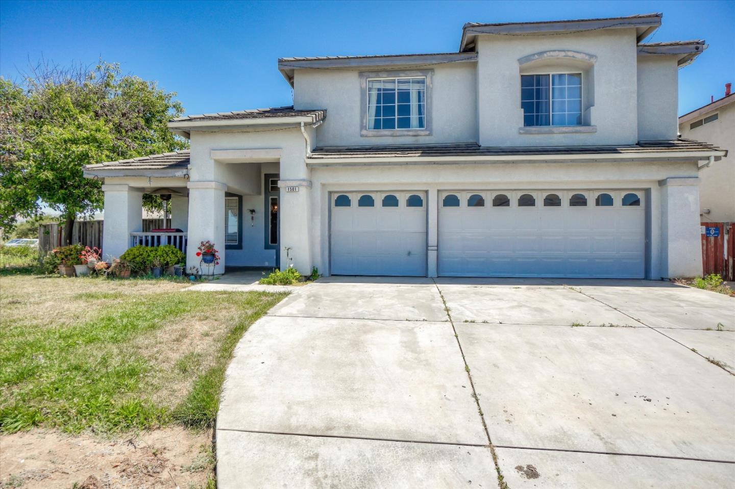 Detail Gallery Image 1 of 29 For 1501 Cottonwood Dr, Salinas, CA 93905 - 4 Beds   2/1 Baths