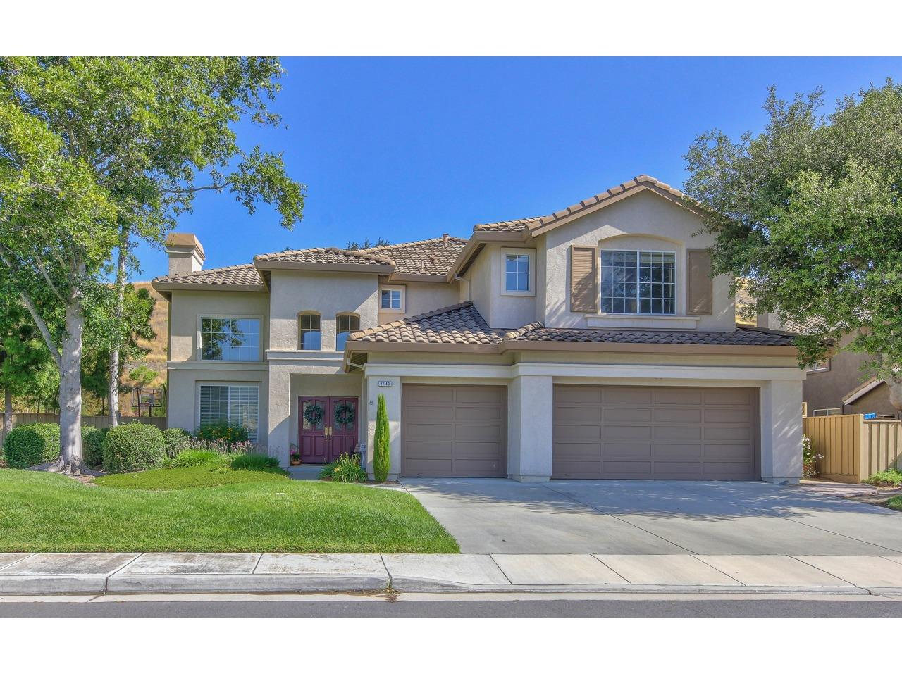 Detail Gallery Image 1 of 1 For 27140 Prestancia Way, Salinas,  CA 93908 - 5 Beds | 4 Baths