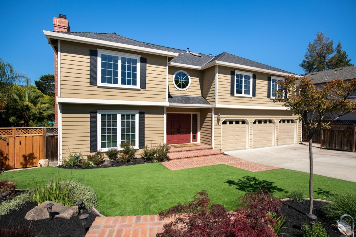Detail Gallery Image 1 of 36 For 10123 Berkshire Ct, Cupertino, CA 95014 - 4 Beds | 3/1 Baths