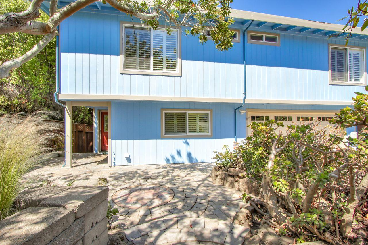 Detail Gallery Image 1 of 1 For 331 6th St, Montara,  CA 94037 - 4 Beds   3 Baths
