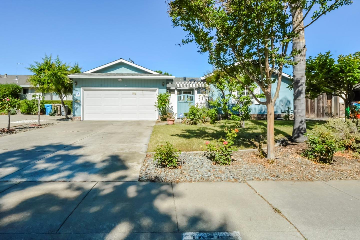 Detail Gallery Image 1 of 1 For 10785 W Estates Dr, Cupertino, CA 95014 - 3 Beds | 2 Baths