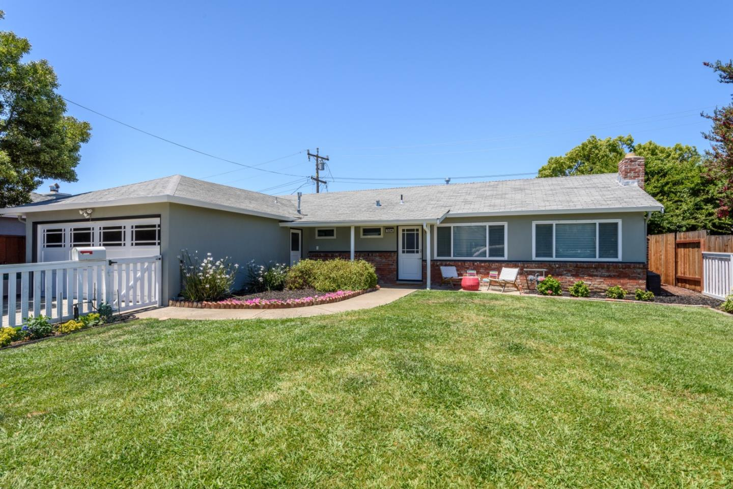 Detail Gallery Image 1 of 1 For 504 Dale View Ave, Belmont,  CA 94002 - 3 Beds | 2 Baths