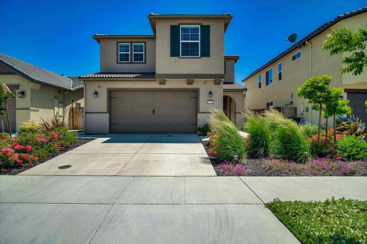 Detail Gallery Image 1 of 1 For 615 Valencia Way, Hollister, CA 95023 - 3 Beds   2/1 Baths