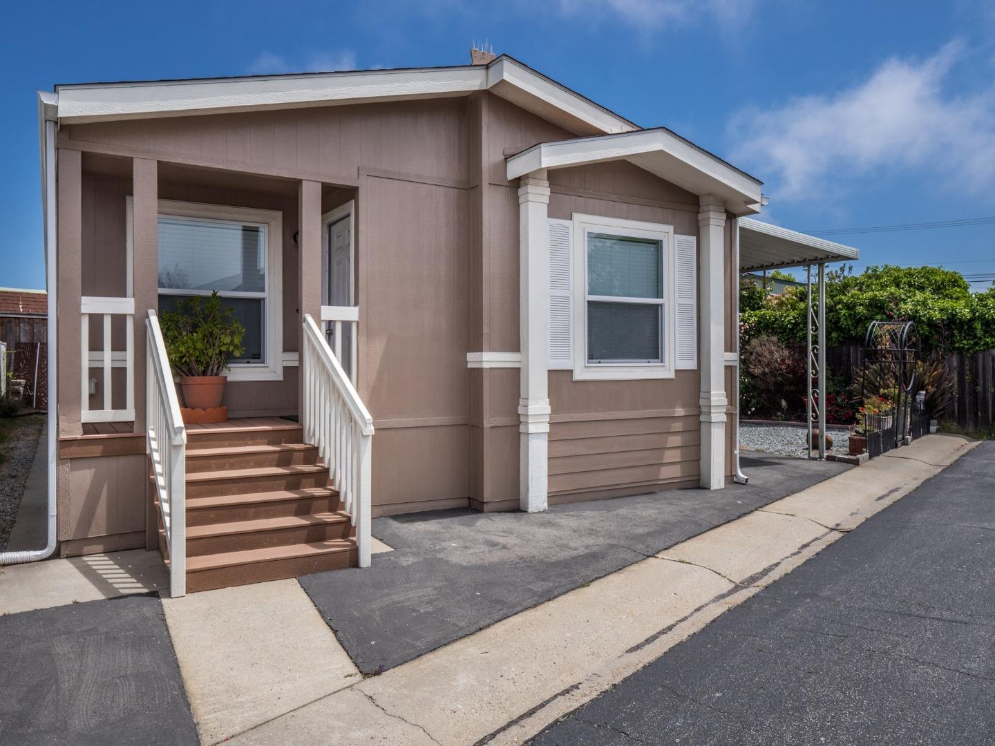 Detail Gallery Image 1 of 1 For 1040 38th Ave #13, Santa Cruz, CA 95062 - 2 Beds   2 Baths