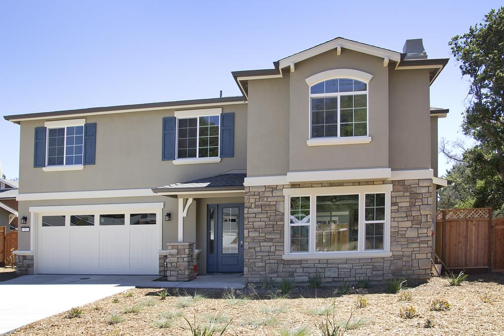 Seven new homes.  Quality construction. 9 foot ceiling plates.  Stainless Steel Appliances, Granite tops, Luxury Master suite with dual walk-in closets.  Built-in Cabinetry.  Interior Laundry Room. Nice yard with a mature trees adjacent to riparian area.