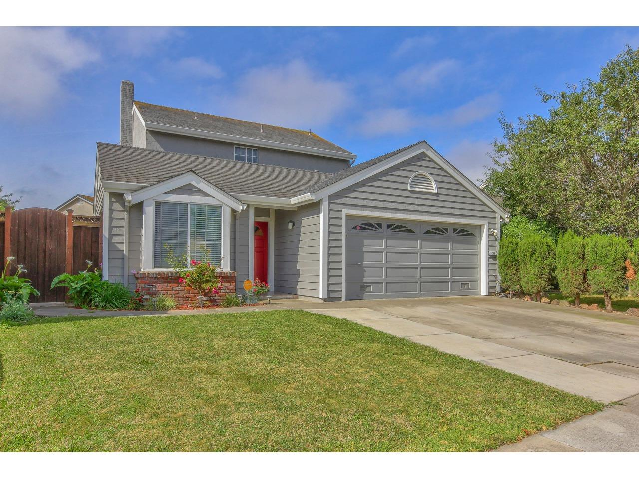 Detail Gallery Image 1 of 1 For 209 Stanyan St, Salinas, CA 93907 - 3 Beds | 2 Baths
