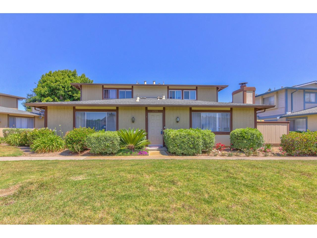 Detail Gallery Image 1 of 1 For 1795 Cherokee Dr #1, Salinas, CA 93906 - 2 Beds | 1 Baths