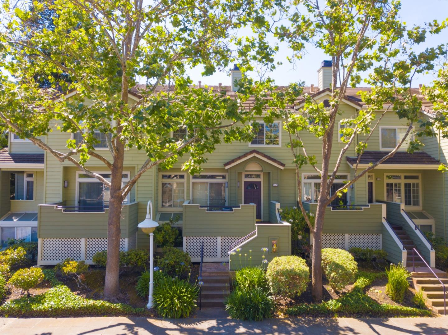 Detail Gallery Image 1 of 1 For 517 Porpoise Bay Ter #C,  Sunnyvale,  CA 94089 - 3 Beds | 2/1 Baths