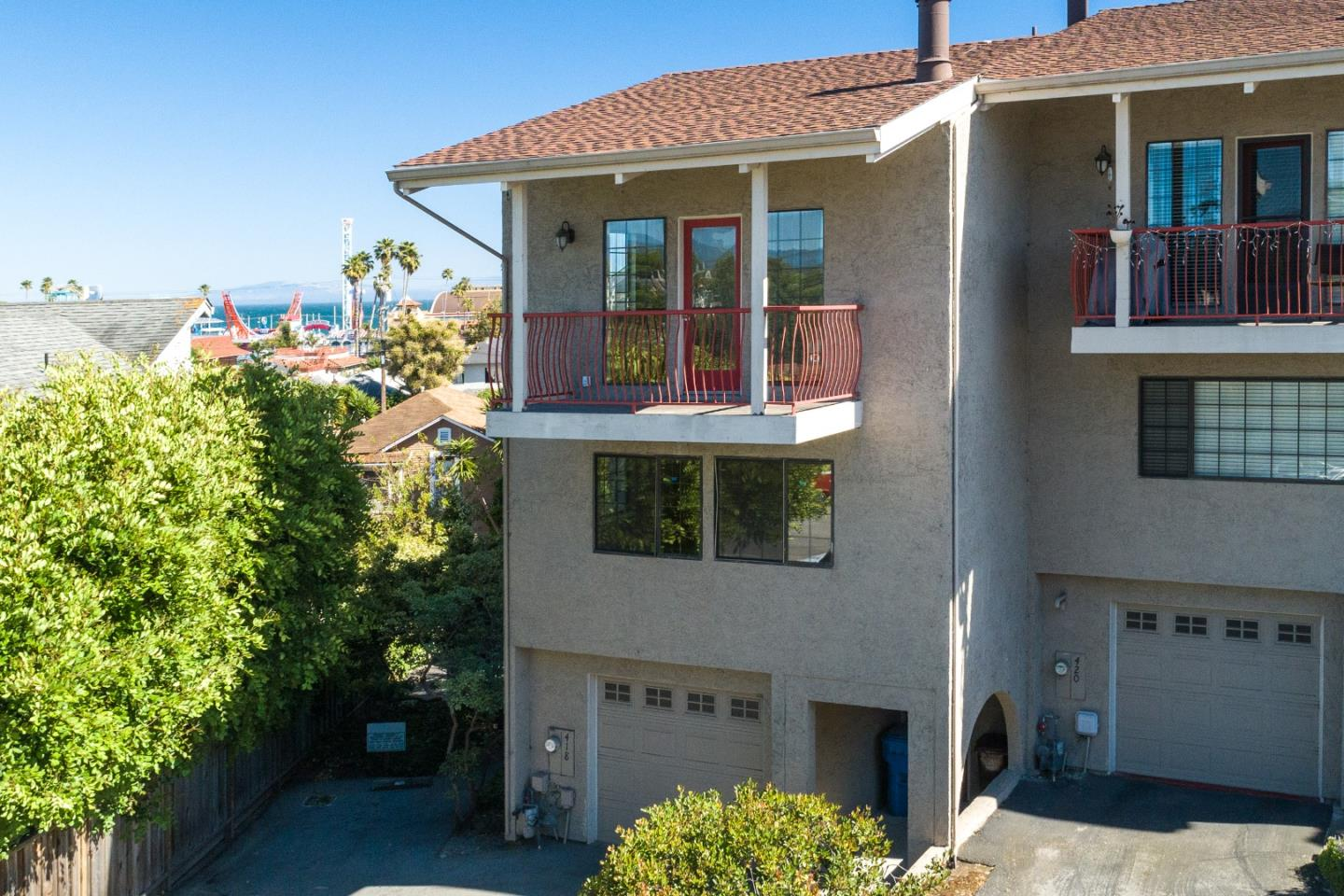 Sitting atop the highly sought-after Beach Hill Neighborhood, this 3 story townhome is just a few blocks from the world renown Santa Cruz Beach Boardwalk and Santa Cruz Municipal Wharf. It is also less than 4 miles to UC Santa Cruz and is adjacent to the San Lorenzo River and has access to the Santa Cruz Riverwalk. Living areas situated on the 3rd floor allow for full enjoyment of elevated views of the Pacific Ocean and the Boardwalk. A deck off of the family/living room lets you take in the ocean breeze and the Santa Cruz atmosphere. Schedule a showing now, this one wont last!