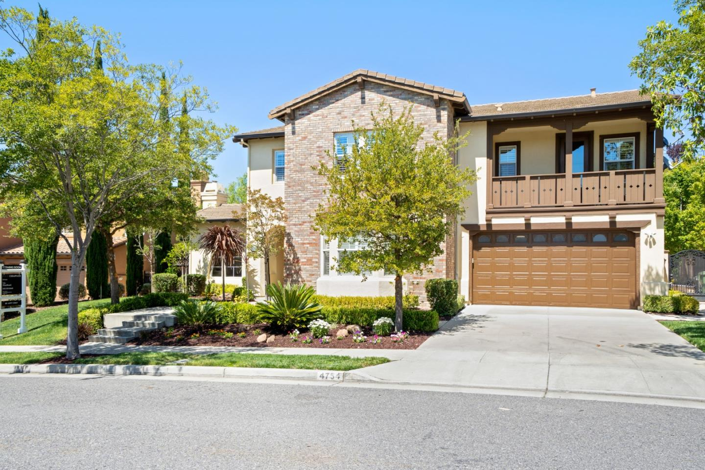 Detail Gallery Image 1 of 1 For 4754 Mountaire Pl, San Jose, CA 95138 - 5 Beds | 4/1 Baths