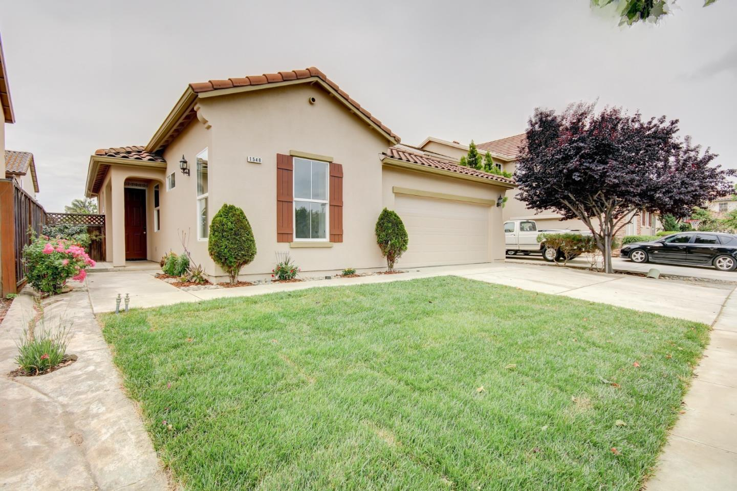 Detail Gallery Image 1 of 1 For 1548 Spoleto St, Salinas, CA 93905 - 4 Beds | 2 Baths