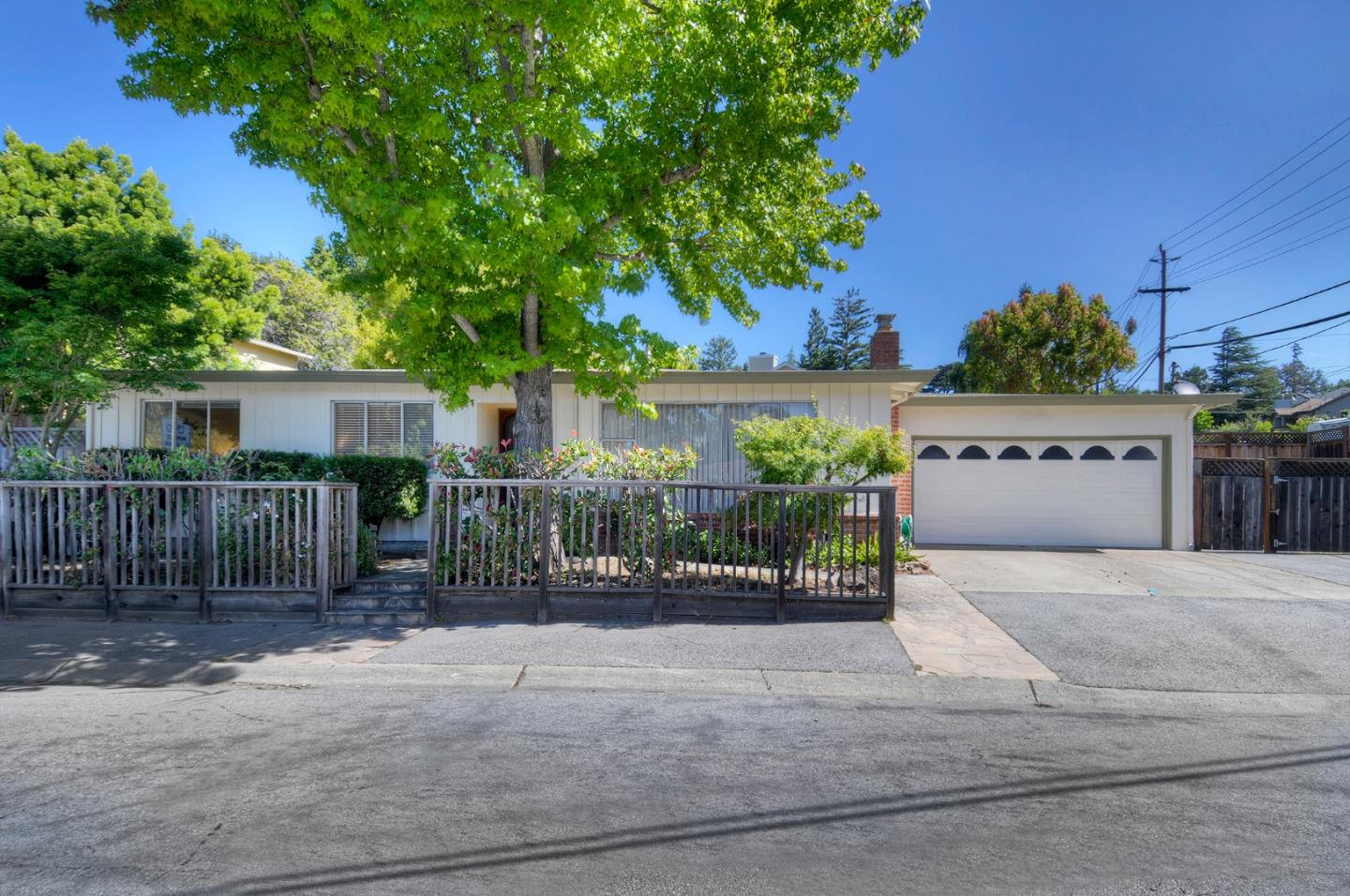 Detail Gallery Image 1 of 1 For 2608 Cipriani Blvd, Belmont,  CA 94002 - 3 Beds   2 Baths