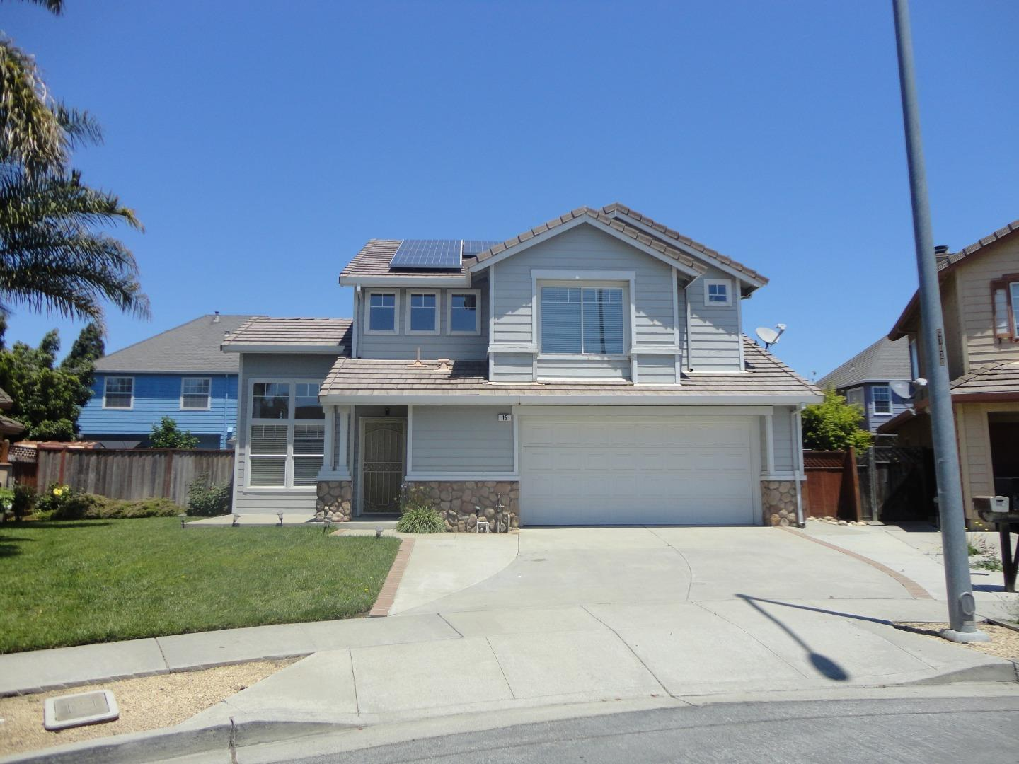 Detail Gallery Image 1 of 1 For 15 Yale Cir, Salinas, CA 93906 - 3 Beds | 2/1 Baths