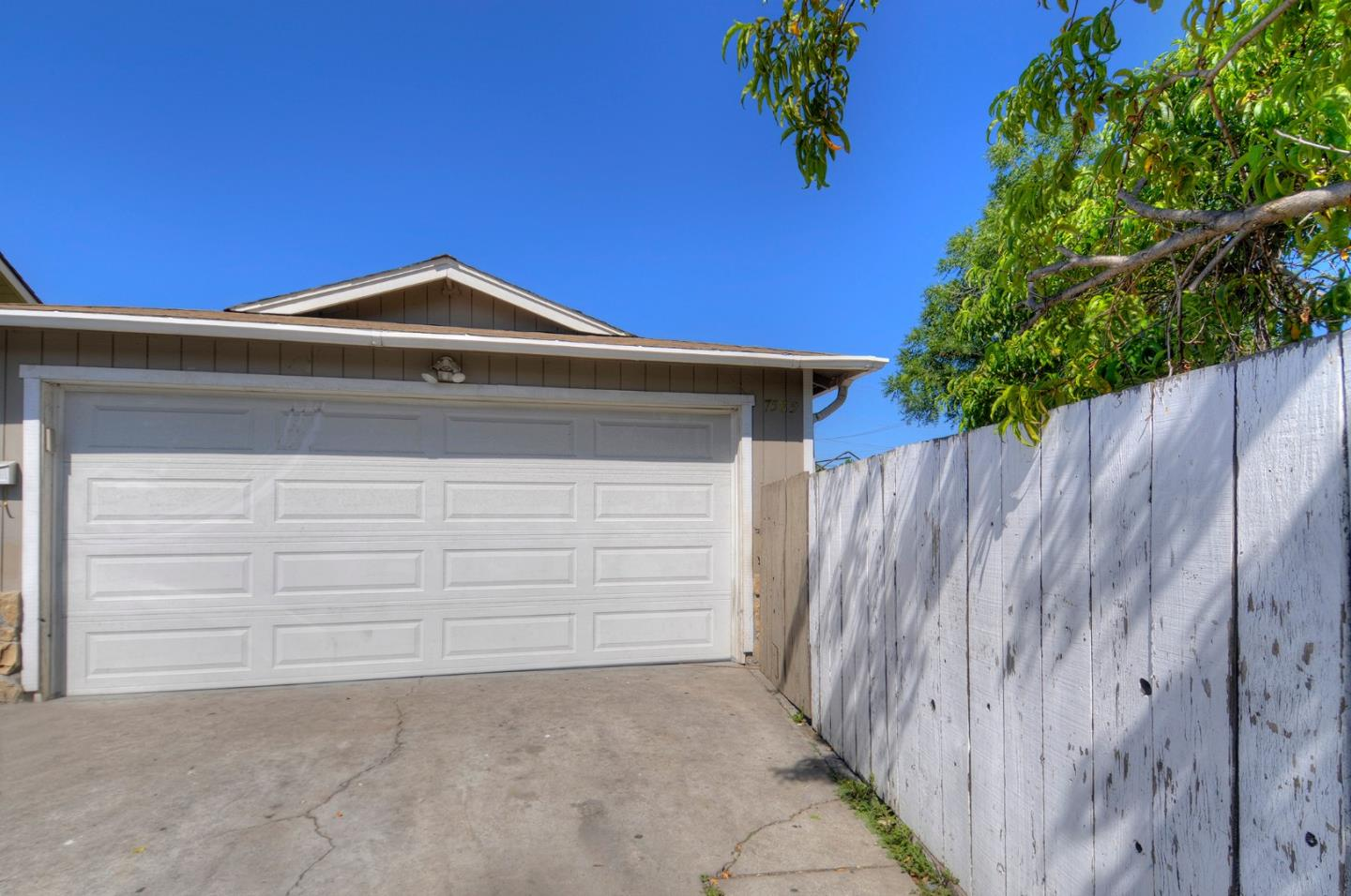 Detail Gallery Image 1 of 6 For 7585 Chestnut St, Gilroy,  CA 95020 - 4 Beds   2 Baths