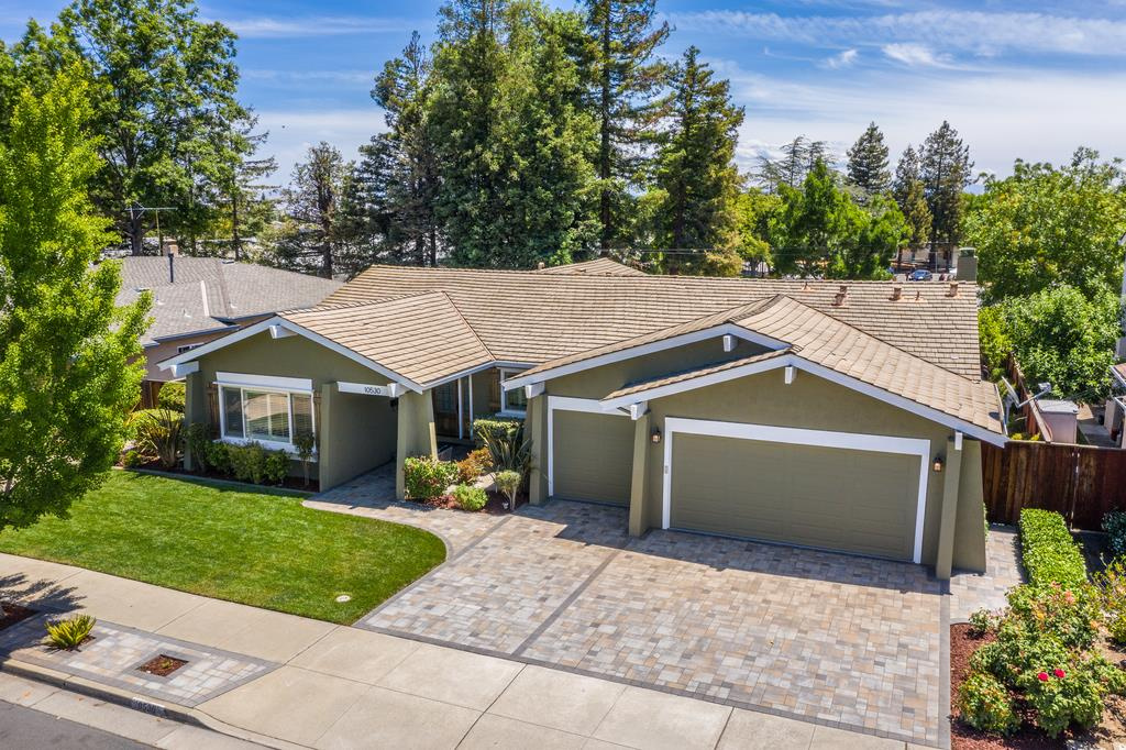 Detail Gallery Image 1 of 40 For 10530 Castine Ave, Cupertino, CA 95014 - 4 Beds | 2/1 Baths
