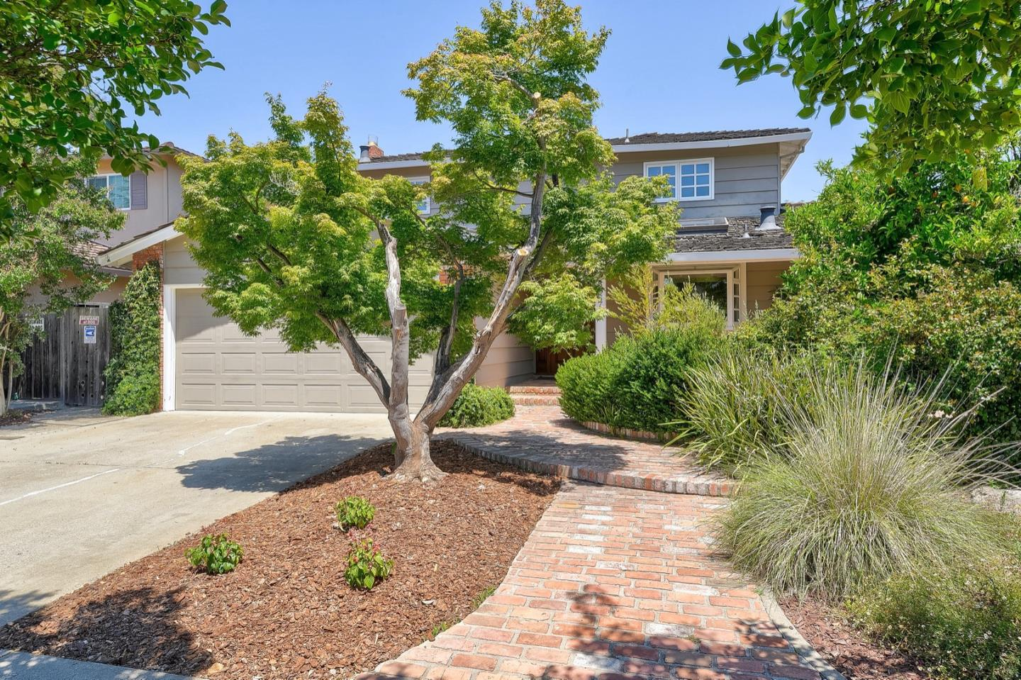 Detail Gallery Image 1 of 1 For 8067 Presidio Dr, Cupertino, CA 95014 - 4 Beds | 2/1 Baths