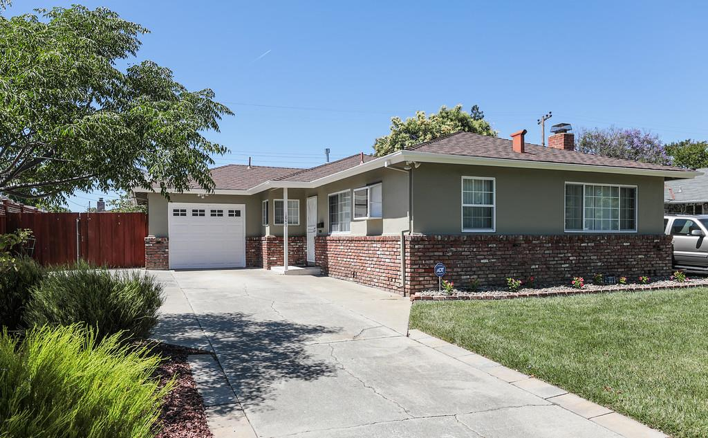 Detail Gallery Image 1 of 1 For 1847 Flood Dr, San Jose,  CA 95124 - 3 Beds | 2 Baths