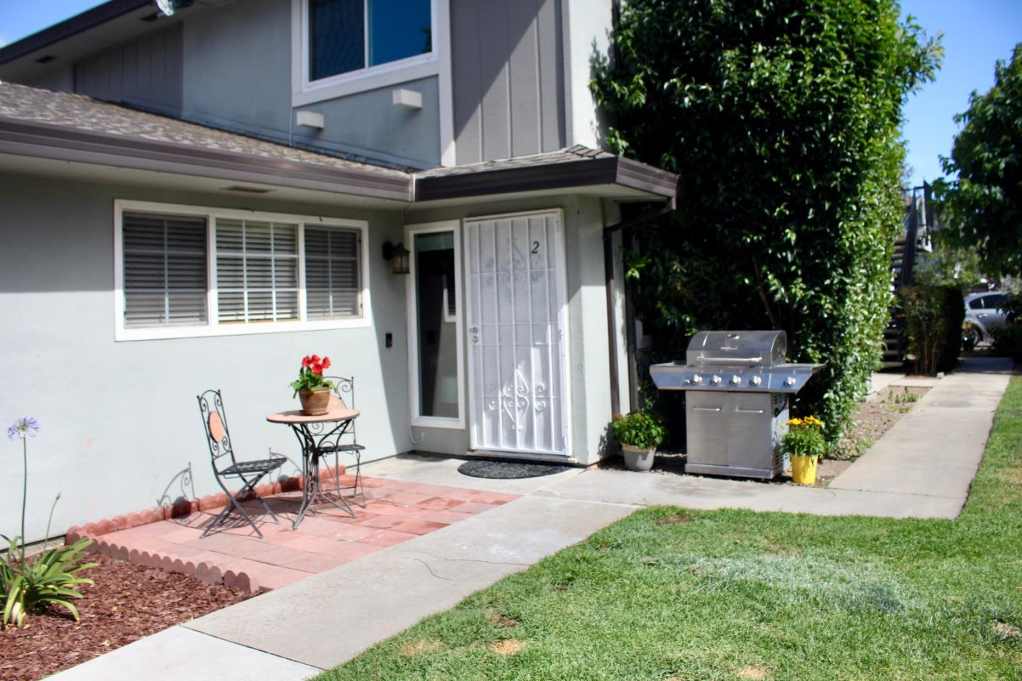 Detail Gallery Image 1 of 1 For 1348 Shawn Dr #2,  San Jose,  CA 95118 - 2 Beds | 1 Baths