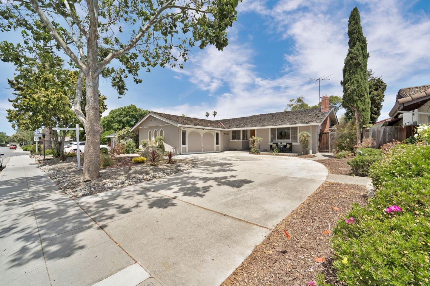 Detail Gallery Image 1 of 1 For 520 Sequoia Dr, Sunnyvale,  CA 94086 - 3 Beds | 2 Baths