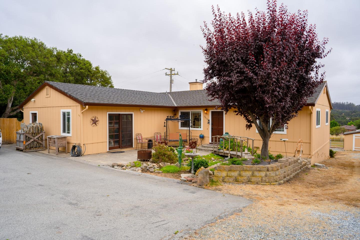 Detail Gallery Image 1 of 27 For 9612 Martin Ln, Salinas, CA 93907 - 3 Beds | 2 Baths
