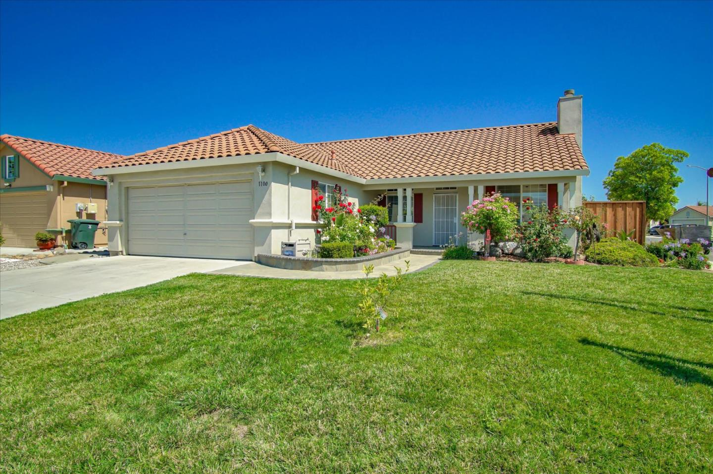 Detail Gallery Image 1 of 37 For 1100 Jacqueline Dr, Hollister, CA 95023 - 3 Beds | 2 Baths