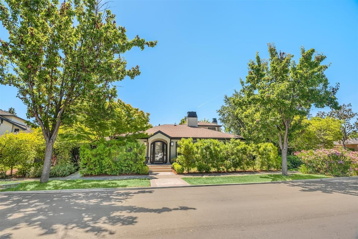 Detail Gallery Image 1 of 29 For 400 Miramonte Ave, Palo Alto, CA 94306 - 4 Beds   4/1 Baths