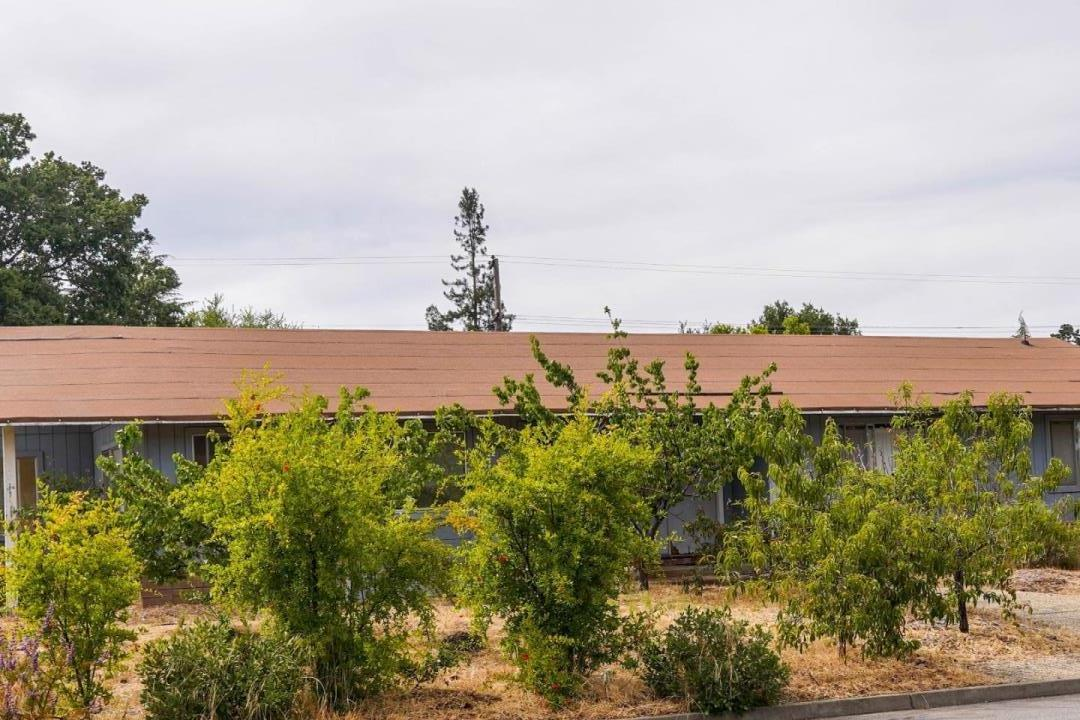 Detail Gallery Image 1 of 1 For 20255 Glasgow Dr, Saratoga,  CA 95070 - 4 Beds   2/1 Baths