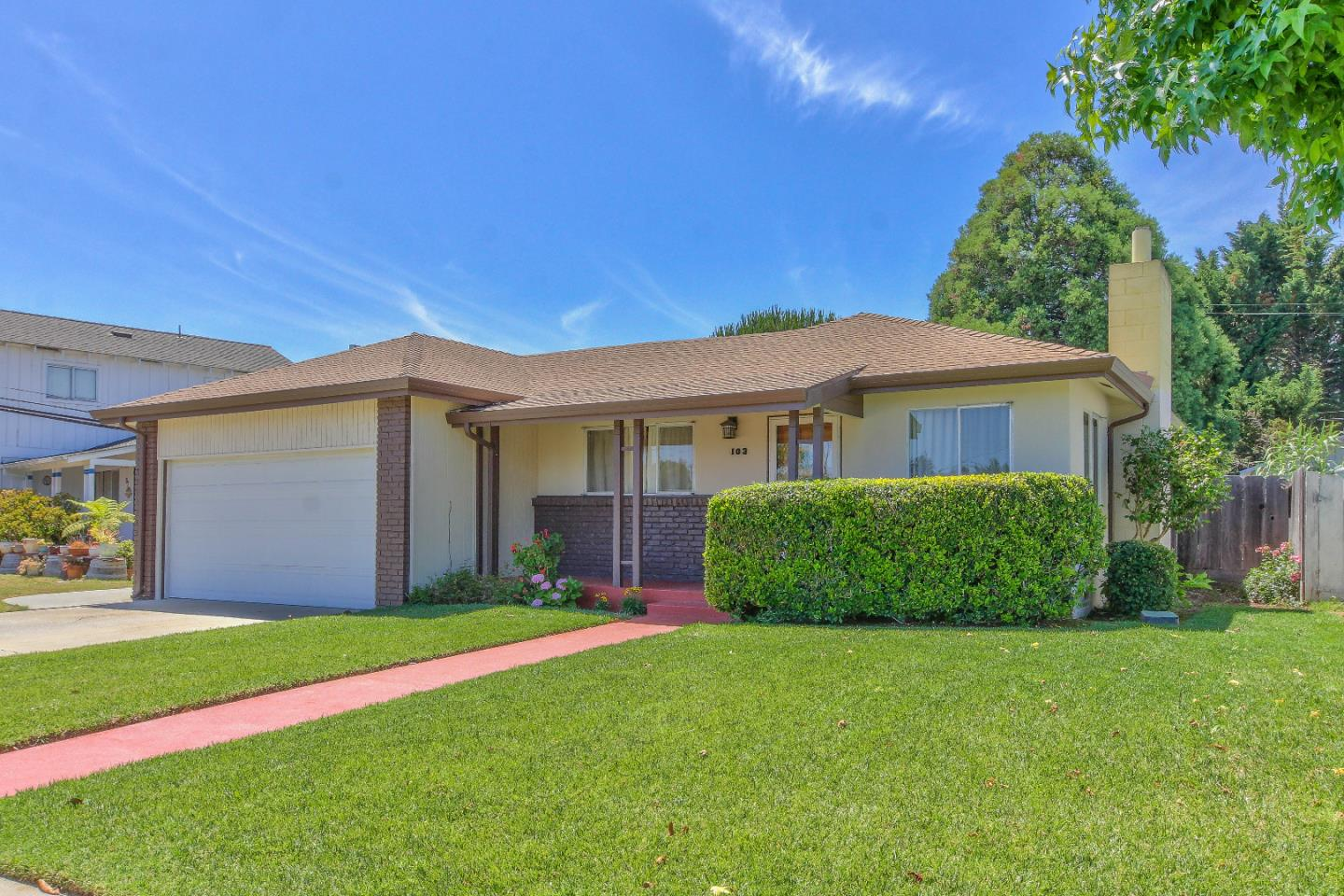 Detail Gallery Image 1 of 1 For 103 Gardenia Dr, Salinas, CA 93906 - 3 Beds | 2 Baths