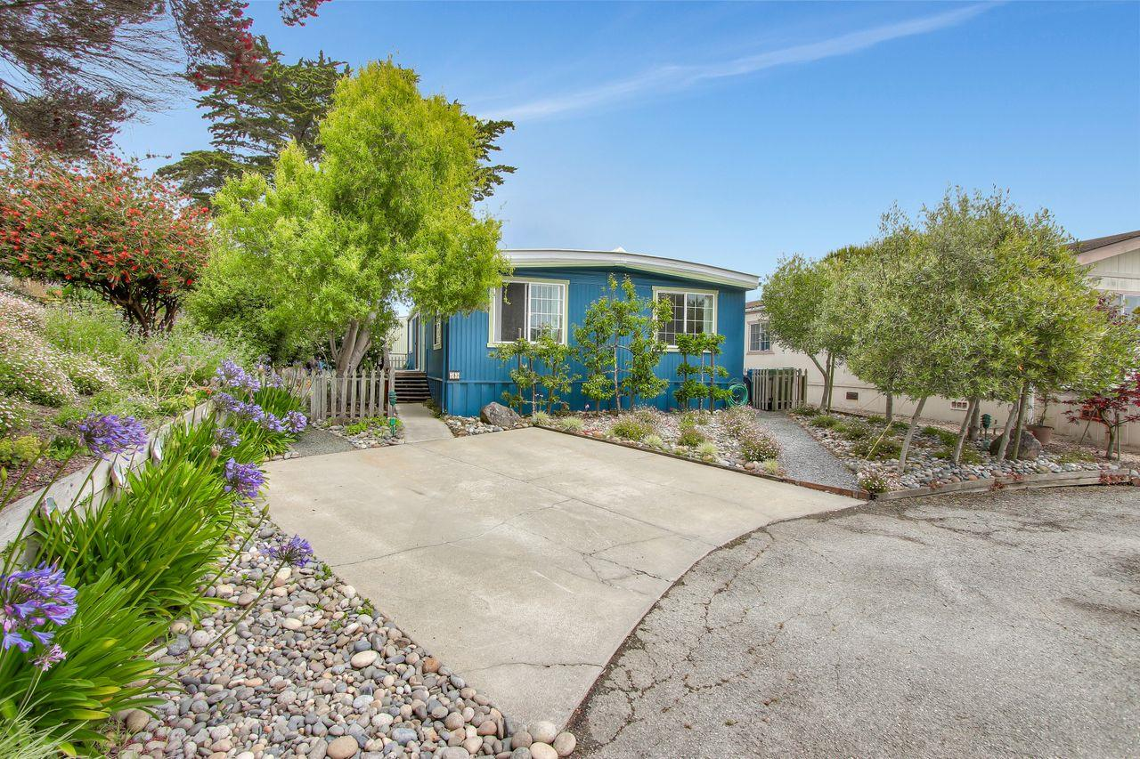 Detail Gallery Image 1 of 1 For 10 Sea Shell Cir #10,  Half Moon Bay,  CA 94019 - 2 Beds | 2 Baths