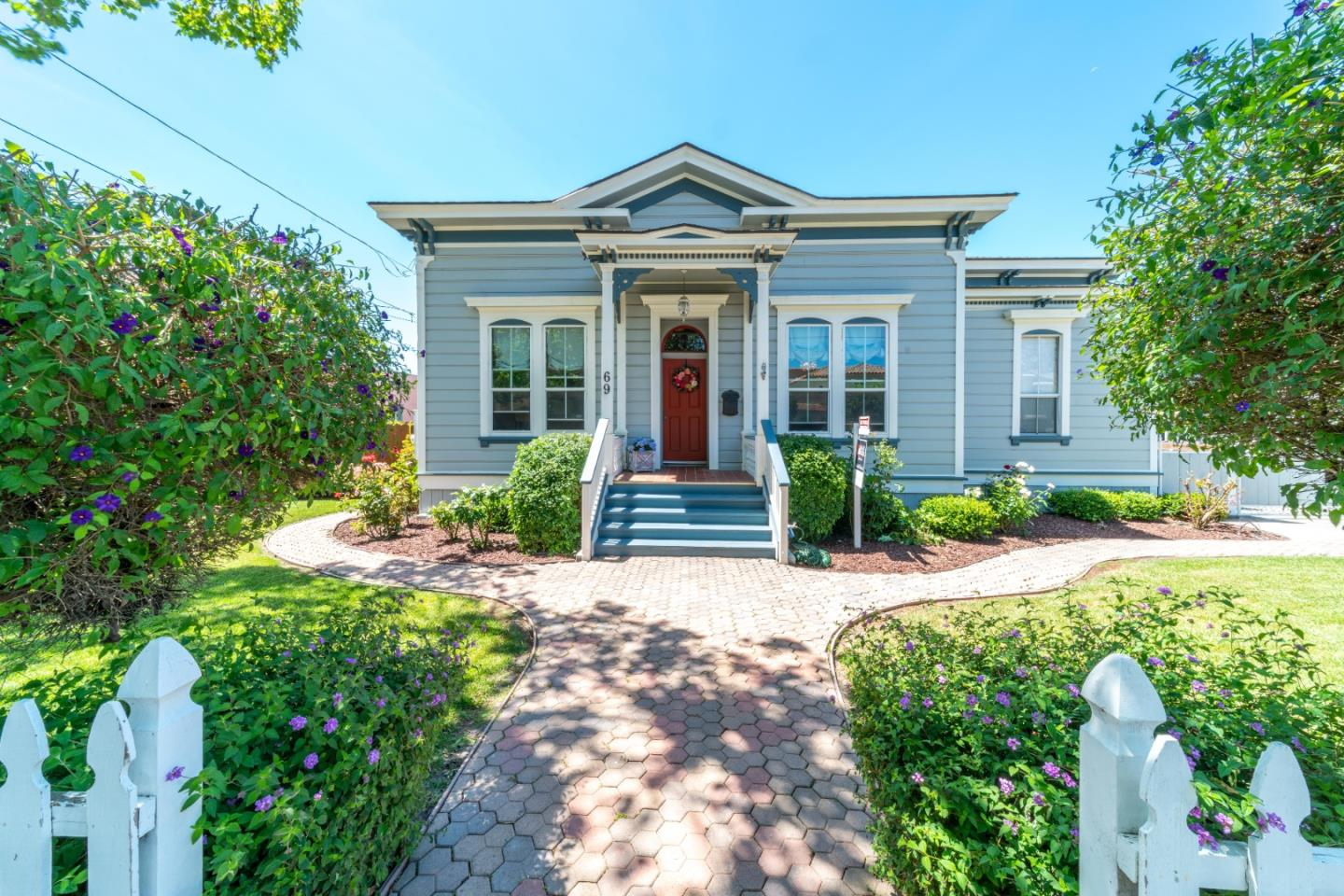Detail Gallery Image 1 of 1 For 69 Geil St, Salinas, CA 93901 - 4 Beds | 2 Baths
