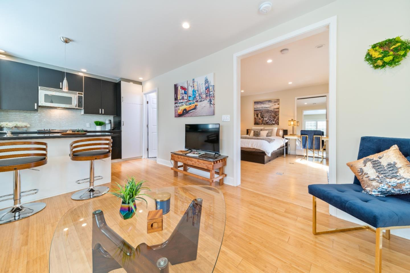 Detail Gallery Image 1 of 17 For 2952 Hopkins Ave, Redwood City, CA 94062 - 1 Beds | 1 Baths