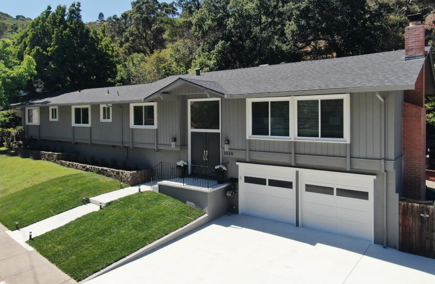 Detail Gallery Image 1 of 1 For 3024 Brittan Ave, San Carlos,  CA 94070 - 3 Beds   2 Baths