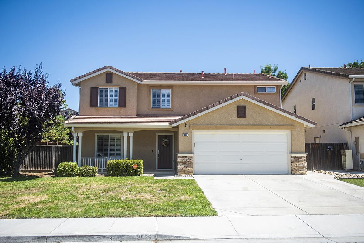 Detail Gallery Image 1 of 1 For 2535 Glenview Dr, Hollister,  CA 95023 - 4 Beds | 2/1 Baths
