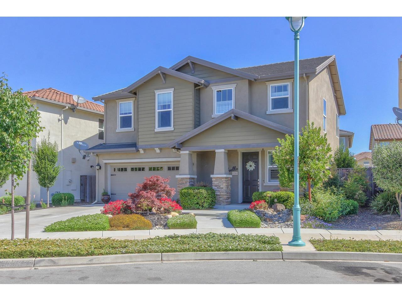 Detail Gallery Image 1 of 1 For 1125 Siena Way, Salinas, CA 93905 - 4 Beds | 2/1 Baths