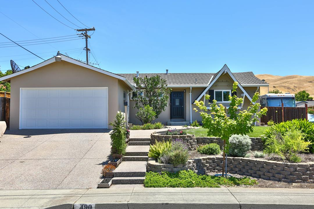 Detail Gallery Image 1 of 1 For 490 S Temple Dr, Milpitas, CA 95035 - 3 Beds   2 Baths