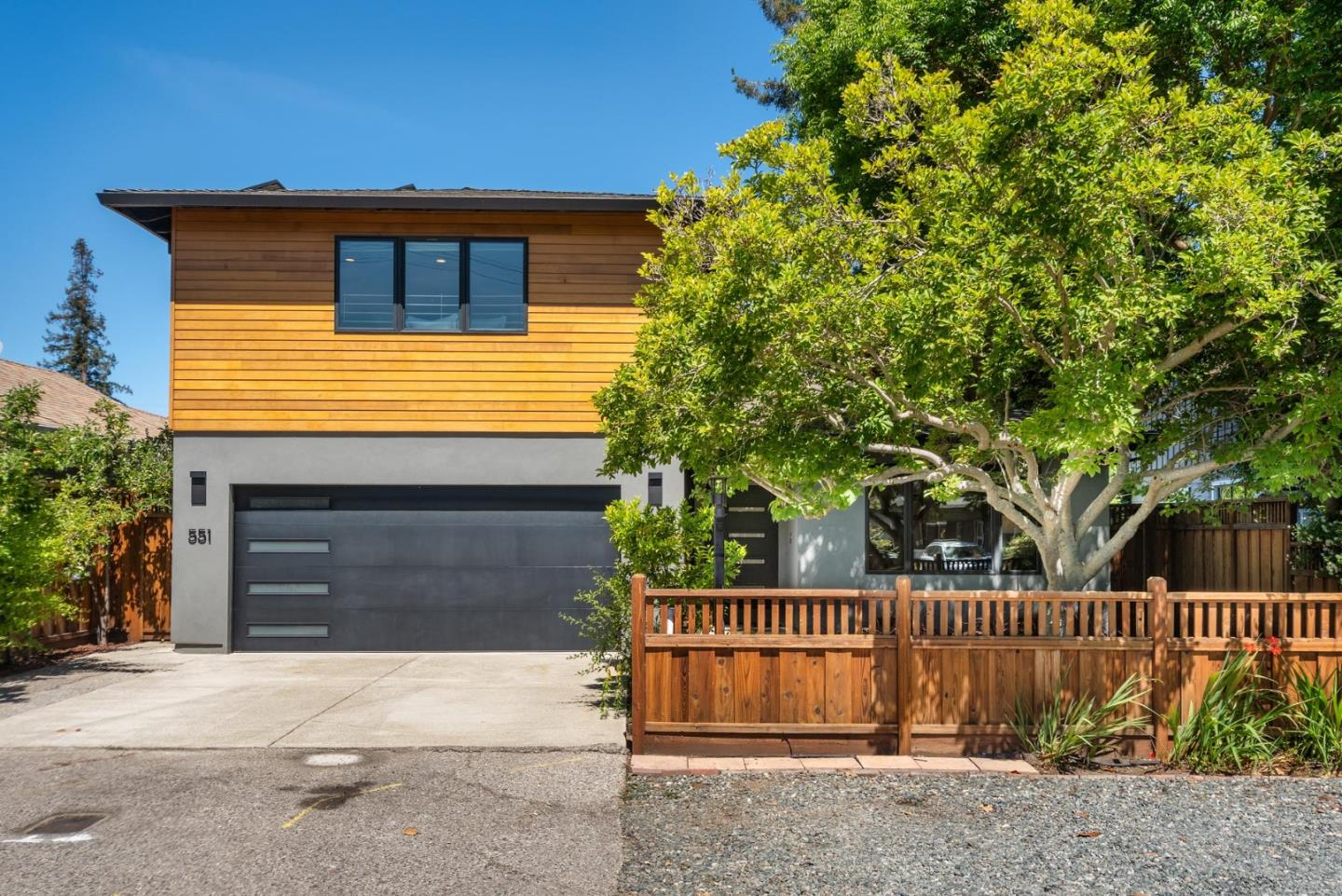 Detail Gallery Image 1 of 1 For 551 8th Ave, Menlo Park,  CA 94025 - 4 Beds | 2/1 Baths