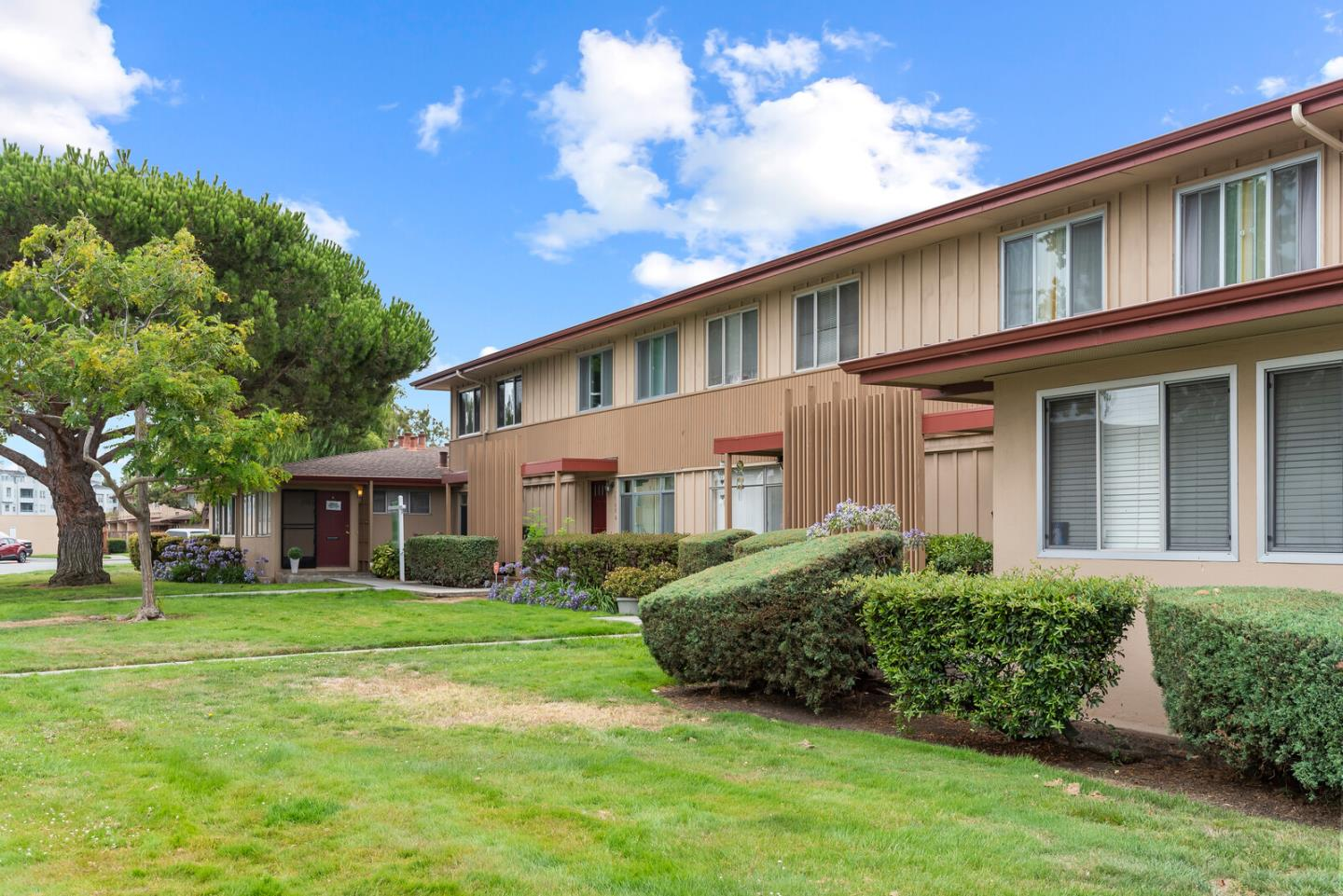 Detail Gallery Image 1 of 1 For 1560 Day Ave #B,  San Mateo,  CA 94403 - 3 Beds | 1/1 Baths