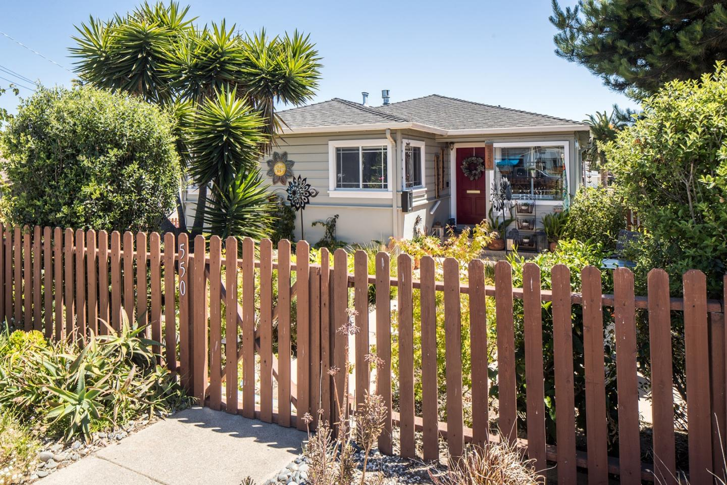 Photo of 550 Trinity AVE, SEASIDE, CA 93955