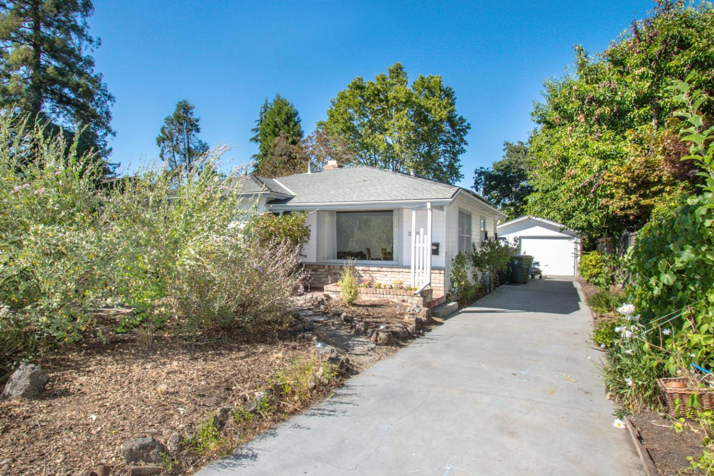 Detail Gallery Image 1 of 1 For 3123 South Ct, Palo Alto, CA 94306 - 3 Beds | 1 Baths