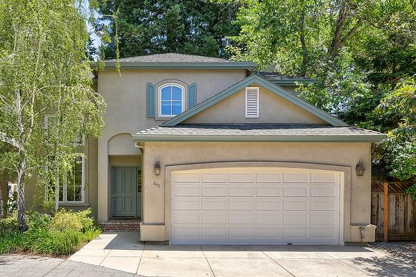 Detail Gallery Image 1 of 21 For 7 Daisy Ln, Menlo Park, CA 94025 - 3 Beds | 2/1 Baths