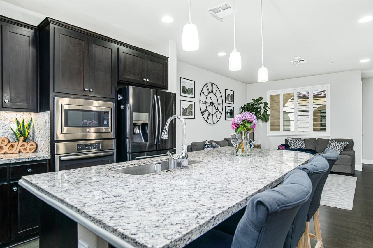 Detail Gallery Image 1 of 1 For 385 Santa Diana Ter, Sunnyvale,  CA 94085 - 3 Beds | 2/1 Baths