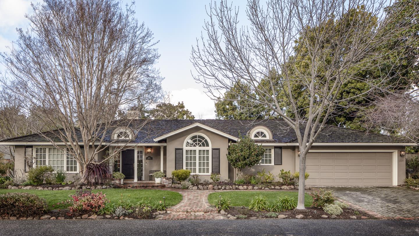 Detail Gallery Image 1 of 1 For 1220 Hillview Dr, Menlo Park, CA 94025 - 4 Beds | 2 Baths