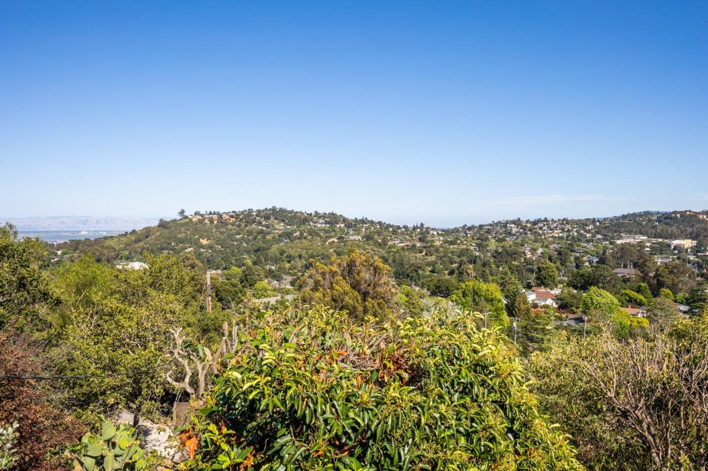 Detail Gallery Image 1 of 1 For 2313 Coronet Blvd, Belmont, CA 94002 - 2 Beds | 2 Baths