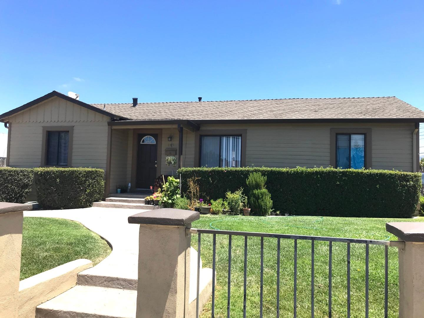 Detail Gallery Image 1 of 8 For 1135 Del Monte Ave, Salinas, CA 93905 - – Beds | – Baths